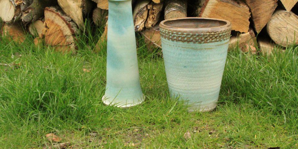 Mintgroene grote en kleine vaas